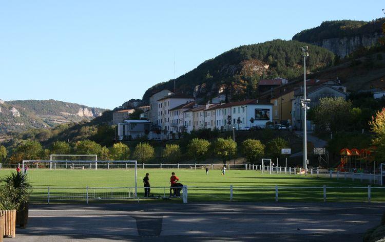 ....son stade municipal.....