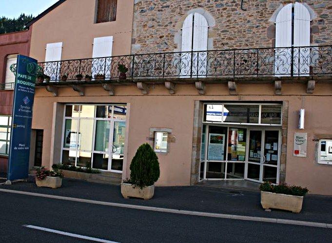 ..........Bureau de l'Office de Tourisme (à l'entrée de la ville côté Albi). ....
