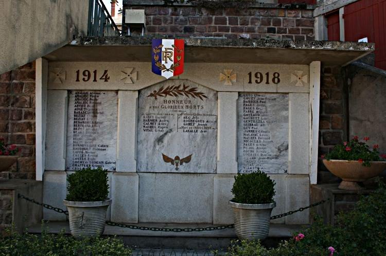 ........Le Monument aux morts.....