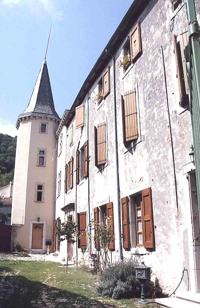 ....Quelques images vers le « haut » du village ......