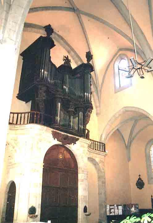 La Cathédrale de Vabres et ses grandes orgues rénovées ont été inaugurées le vendredi 24 septembre 2004 en présence de nombreuses personnalités ....