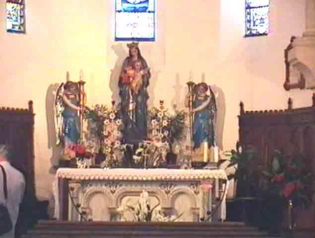 Les Autels consacrés à Saint-Roch et à la Vierge Marie.