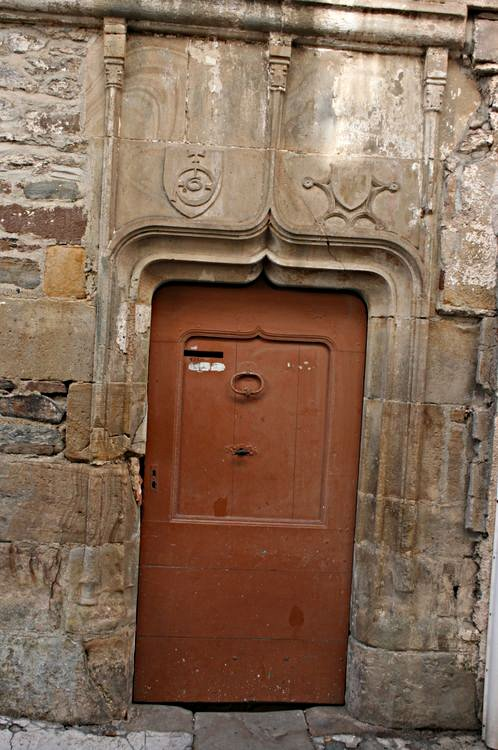 .....Porte gothique de l'ancien hôpital......
