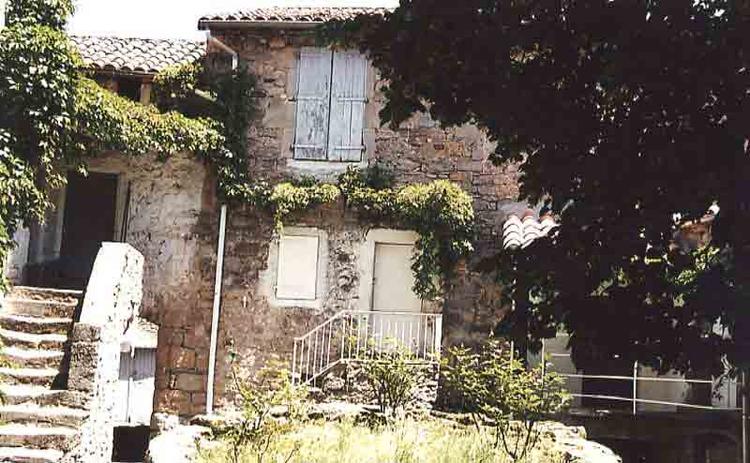 Voici quelques images de ce village avec l'intérieur et extérieur de son église …