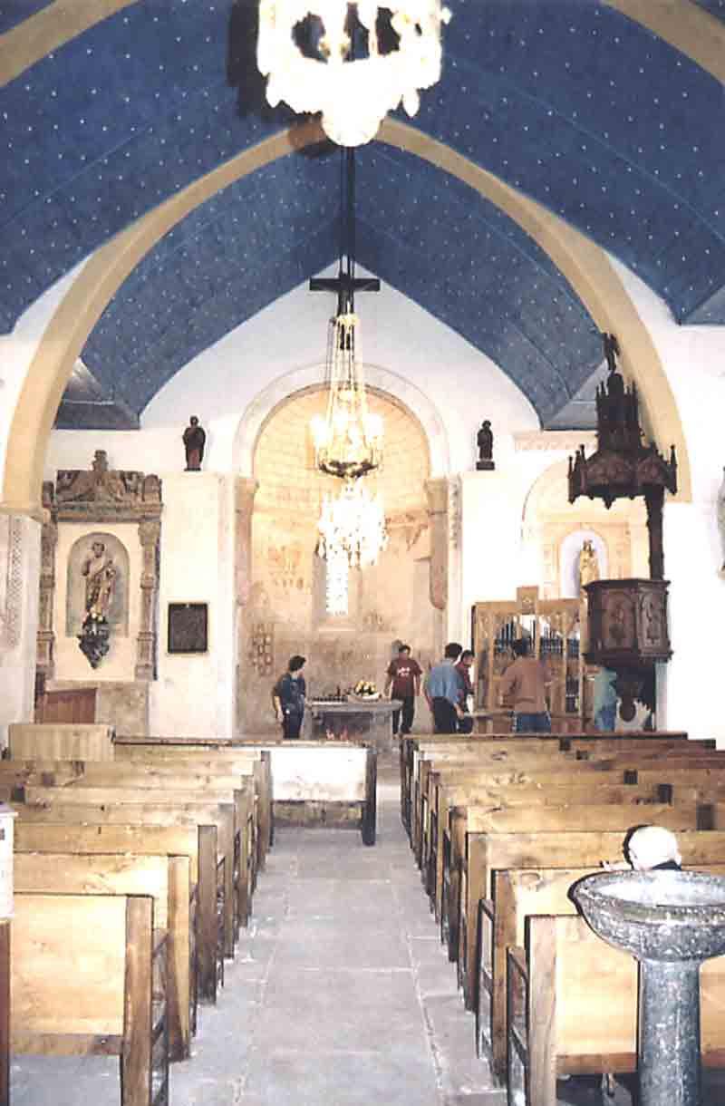 ....Récemment restaurée , les travaux ont duré 7 ans pour un coût estimé à 183.000 euros .  Elle fut inaugurée avec toutes les autorités du département le Dimanche 22 Septembre 2002 .  L'après-midi même on y célébrait une messe . Et c'est le père Henri Guilbaud qui officia .  L'Eglise Saint Jean Baptiste revenait de naître à nouveau pour le bonheur des habitants de Combret …...