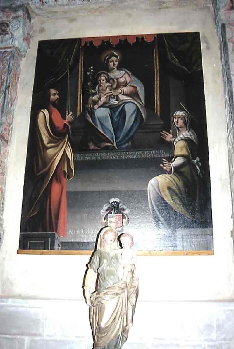 ......Tableau original (restauré à Toulouse) qui a été volé dans la chapelle et remplacé par une copie (à droite)faite à partir d'une photo .....