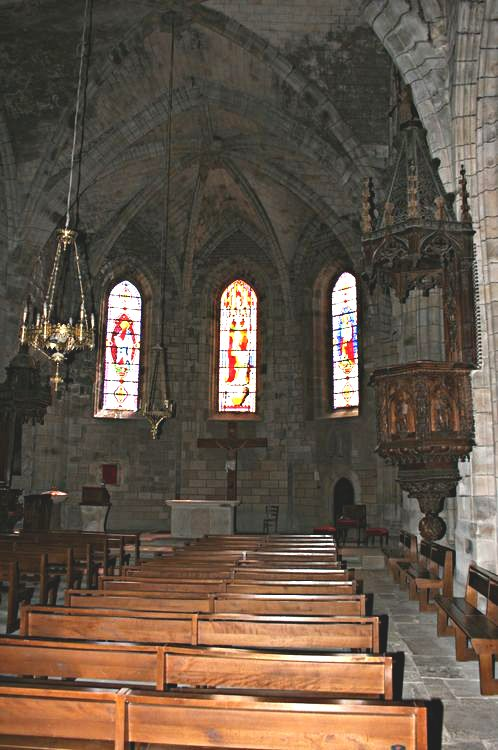 ......L'intérieur de l'Eglise : 33 mètres de longueur-9.60 mètres de largeur-12 mètres de hauteur. .....