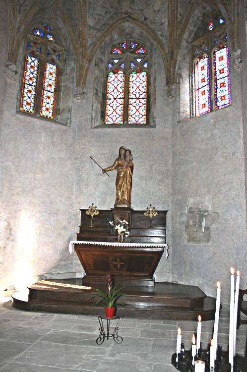 ............Chapelle de la Vierge : Statue de Nôtre Dame de Saint-Sernin.........