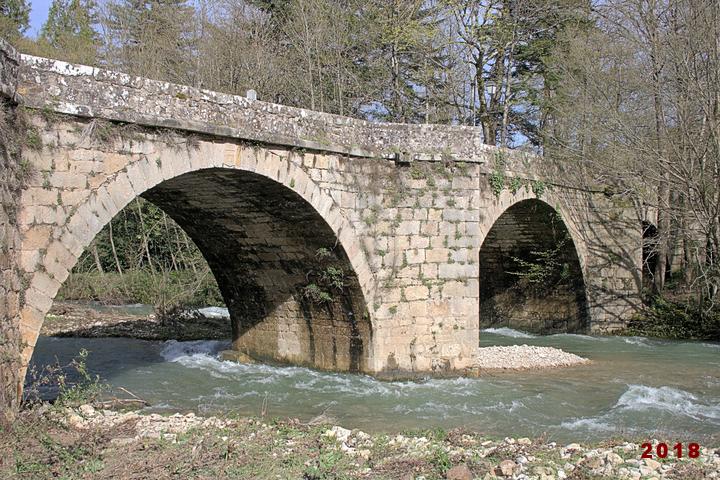 Le pont sur la Sorgues